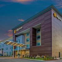 La Quinta Inn & Suites by Wyndham Miramar Beach-Destin, hotel in Destin