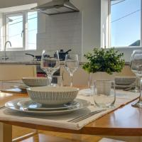 Low Cost, 4 Bed, Pet Friendly Apartment & Parking 03