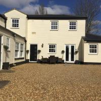 Courtyard Cottage - Great Paxton, hotel in Saint Neots