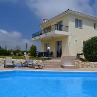 Chelia, hotel in Paphos