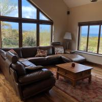 House with sea views close to Beach with WiFi and large kitchen and dining