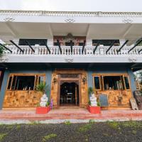 Chakra Backpacker Hostel & Vegetarian Bistro