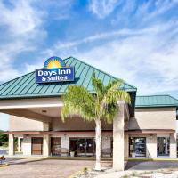 Days Inn & Suites by Wyndham Davenport, hotel in Davenport