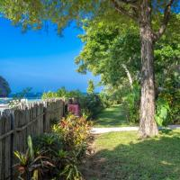Villa Macaque and Villa Languor, hotell sihtkohas Railay Beach
