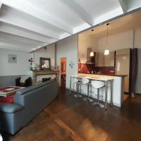 coquet studio en mezzanine, hôtel à Saint-Girons