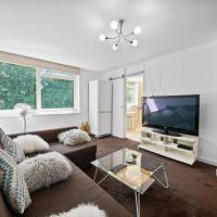 Gatewick Duplex Serviced Apartment with 3 Bedrooms, 5 beds