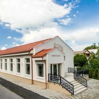 Kaštieľ Penzion & Restaurant, hotel in Rimavská Sobota