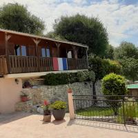 Chalet Côte d'Azur Piscine Terrasse et Vue Mer, hotel in Drap