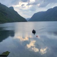 Hus med sjøutsikt, Hotel in Frafjord