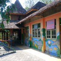 Bina Karya Guesthouse