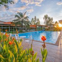 Baan Suan Khun Ta and Golf Resort, hotel in Ubon Ratchathani