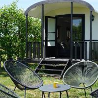 "Pipowagen ""Vlierefluit"" Camping de Vliert - Bunnik, hotel in Bunnik"