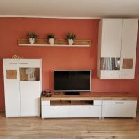 Gemütliche 90 qm Wohnung in Saarburg, zentral gelegen, Garten mit Aussicht, separater Eingang, hotel in Saarburg