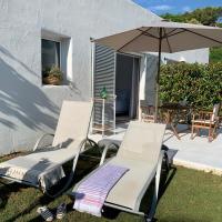 Habitación con jardín y terraza en el Tosalet, Bed & Breakfast