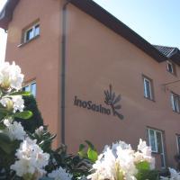 Pokoje InoSasino z basenem i sauną – hotel w Sasinie