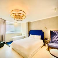 A in Hotel Del Luna