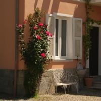 Il Melo Antico, intero appartamento in villa d'epoca nel cuore del Monferrato