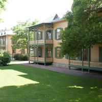 Villa FloraViola, hotel in Ronneby