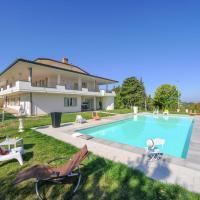 Spacious Villa in Tavullia with Private Swimming Pool, hôtel à Tavullia