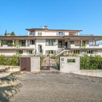Plush Villa apartment in Tavullia with Jacuzzi, hôtel à Tavullia