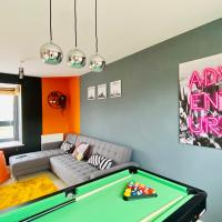 Newport House with Pool Table, Netflix & FREE Parking! Perfect for Contractors, Families and Groups by Yoko Property