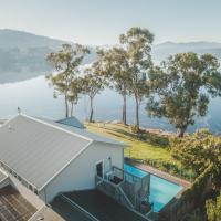 The Anchorage Waterfront Apartment, hotel em Castle Forbes Bay