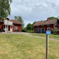 Rinkeby Gård, hotel in Jönåker
