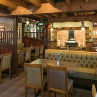 The Barns Hotel, hotel in Cannock