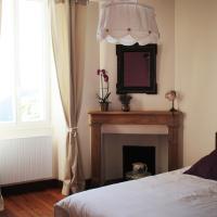 Chez Juliette Maison d'Hôtes Chambres et Appartement, hotelli kohteessa Rontignon