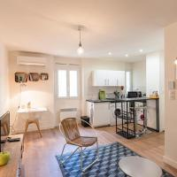Charming studio on the edge of the old port