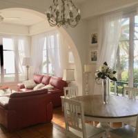 Stunning beach apartment with endless ocean views