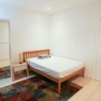 Double room minutes away from Watford Junction station