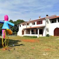 Casa Val Madorso, hotel in Peroj