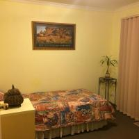 Effie Court, hotel near Moorabbin Airport - MBW, Springvale South