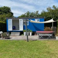 Little blue house (on the campsite), hotel in Oostvoorne