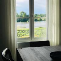 Au pied du Chateau de Chaumont sur Loire