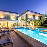 Modern & Brand New Villa w/ Pool, Jacuzzi & Chef at Cocotal Golf & Country Club