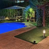 Casa Axier Chalet con Piscina, Jardín y Chimenea, hotel en Biar
