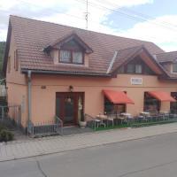 Ubytovanie Penzión Iveta, hotel in Poltár