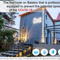 """ The One "", Adults Only Boutique & Luxury Design Hotel, hotel in Siófok"