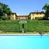 Villa La Vescogna, Historic House with Pool, hotell i Calco