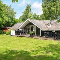 8 person holiday home in Toftlund, hotell i Toftlund
