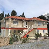 Australian Villa in Lapta , sleeps up to 12 persons , New to the holiday rental