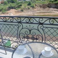 River House, отель в Умане