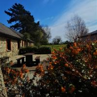 Moneylands Farm Self-Catering Apartments, hotel in Arklow