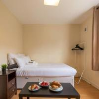 Light and Bright 1 bed Studio Flat Near Clapham Junction