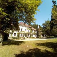 Chateau des Ayes - Chambres & suites, hotel near Grenoble - Isère Airport - GNB, Saint-Étienne-de-Saint-Geoirs