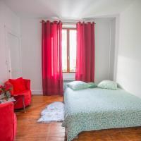 Très sympa appartement à cote de la gare, hotel en Persan
