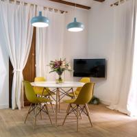 LA MOMA Apartments & Room