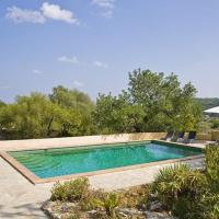 Caimari Villa Sleeps 6 with Pool Air Con and WiFi